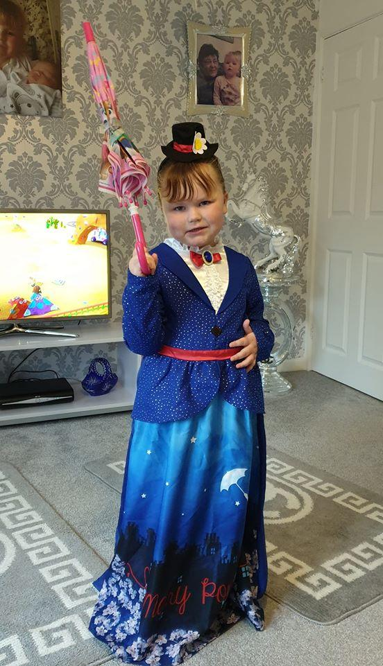 Bella-betsy crawley, 4 years old, Birchen coppice school as Mary Poppins