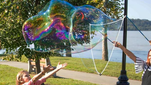 Redditch Advertiser: What's not to love about bubbles? Credit: Etsy / BubblePalooza