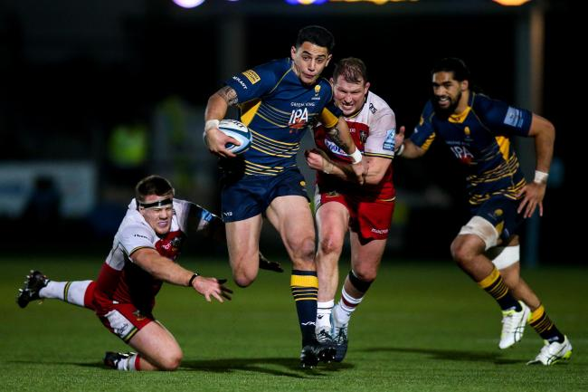 Bryce Heem of Worcester Warriors goes past Paul Hill of Northampton Saints and Dylan Hartley of Northampton Saints - Mandatory by-line: Robbie Stephenson/JMP - 21/12/2018 - RUGBY - Sixways Stadium - Worcester, England - Worcester Warriors v Northampton Sa