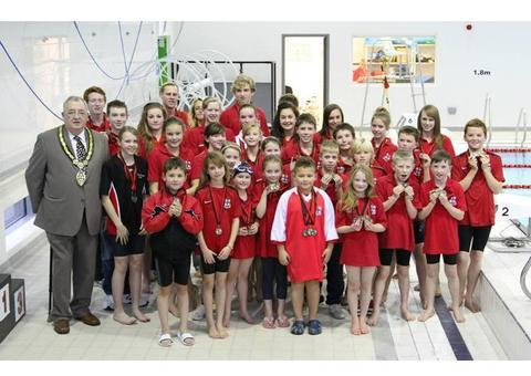 Redditch mayor Alan Mason with Redditch Swimming Club