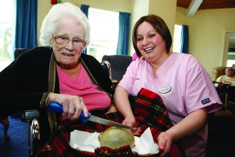 Redditch Advertiser: Address to a Haggis: Vera Rogers from Mockley Manor Care Home with Natasha Upton