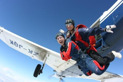Daredevils needed: Redditch and Bromsgrove thrillseekers are being encouraged to do a skydive this year, in aid of the Primrose Hospice. Ref:s
