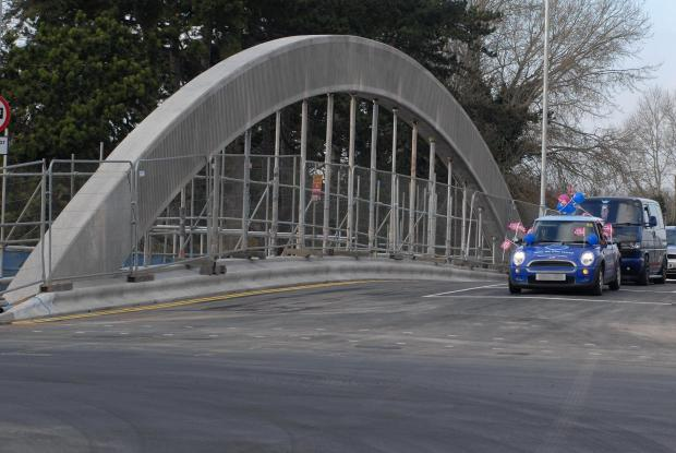 Redditch Advertiser: Evesham Evesham's Abbey Bridge is reopened to two way traffic. Photos by Paul Jackson (1114540913)