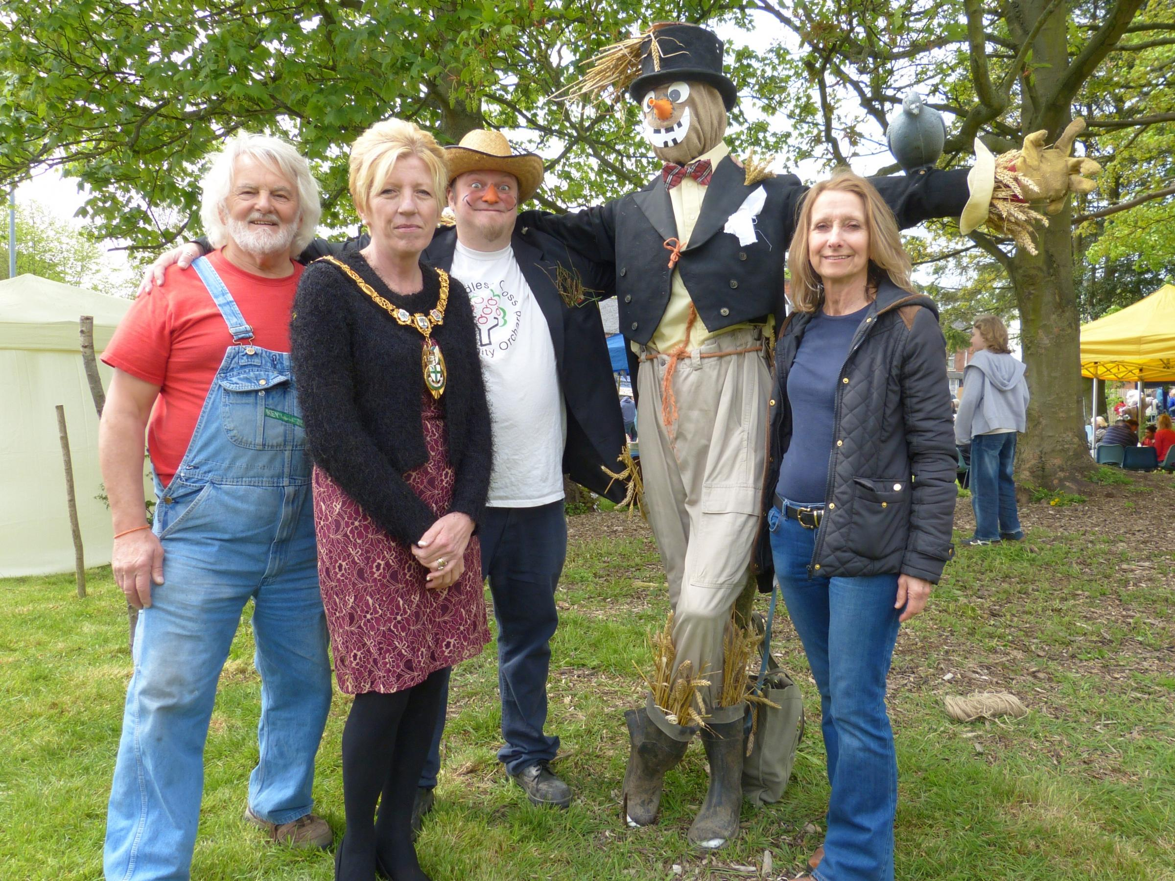 Hundreds flock to Headless Cross Green for May fair