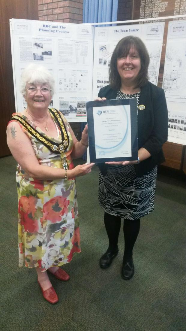Redditch Advertiser: RTPI president Cath Ranson and mayor Pat Witherspoon. SP