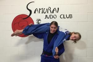 Judo star gets gold in top tournament