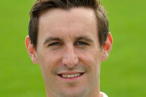 Worcestershire enter battle with relegation rivals Sussex