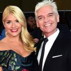 Redditch Advertiser: Holly Willoughby and Phillip Schofield mock Taylor Swift and Tom Hiddleston in hilarious holiday snaps