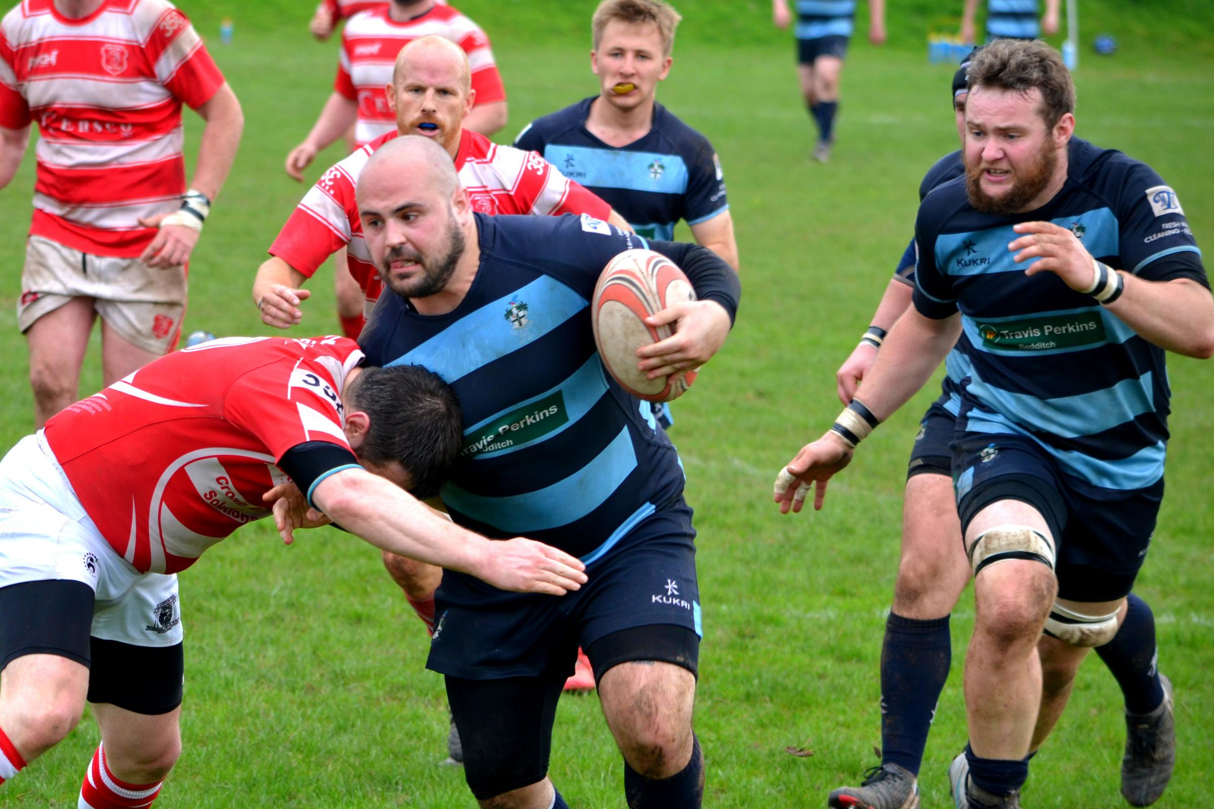 Josh Kearney attacking for Redditch. Picture: Redditch RFC