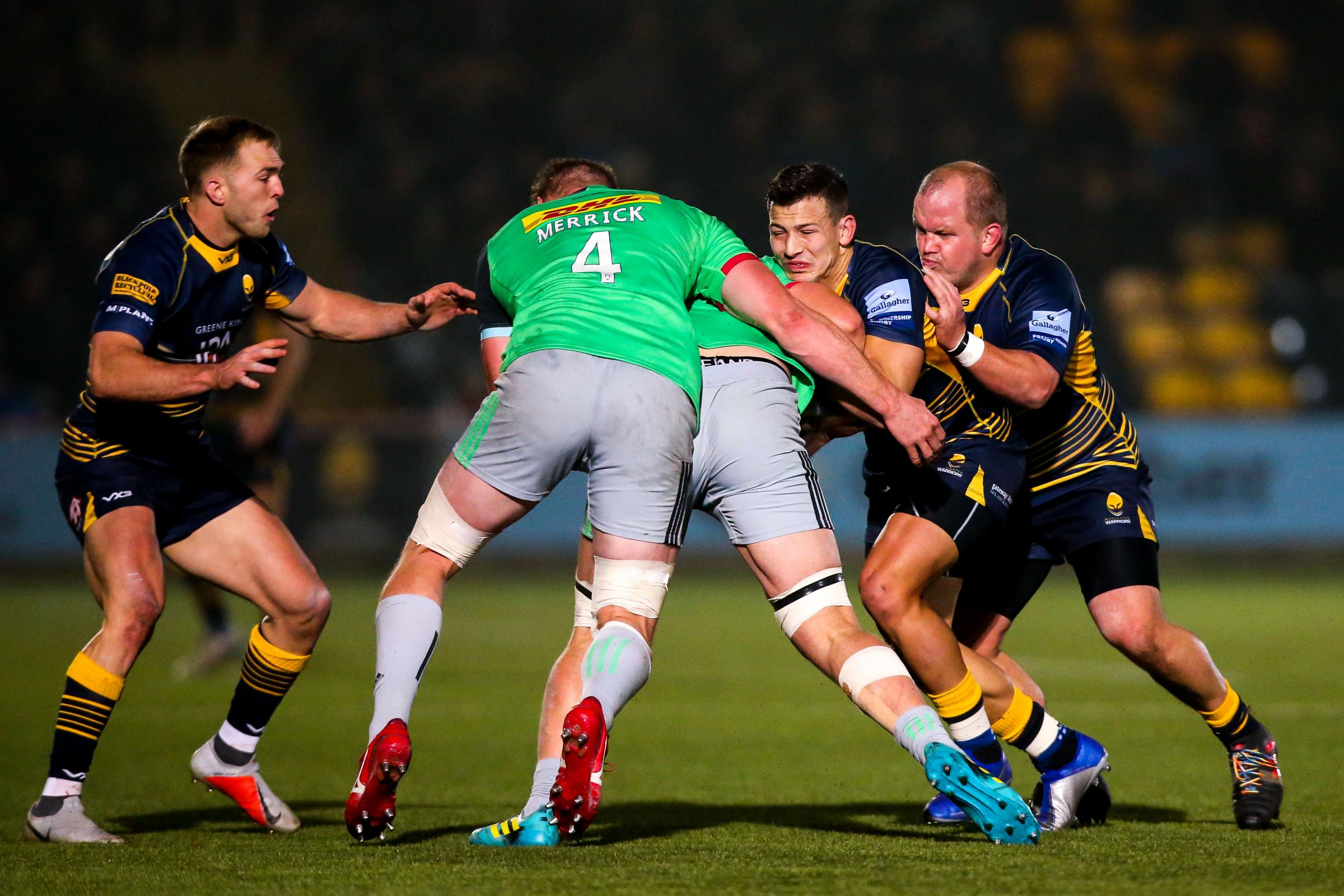 IN THE THICK OF IT... Ryan Mills gets stuck in against Harlequins. PIC: Robbie Stephenson/JMP