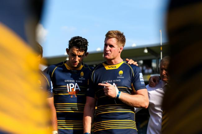 Gerrit-Jan van Velze talks to his team-mates. Picture: Robbie Stephenson/JMP